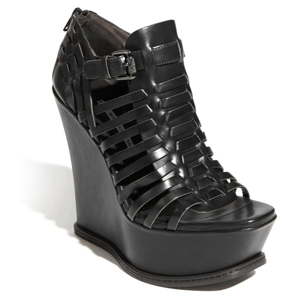 buy cheap fashionable buy cheap under $60 Vera Wang Lavender Label Platform Wedge Sandals best place cheap price de85U